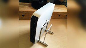 Mac miniの縦置きスタンド用に「まな板スタンド」を買ってみた。